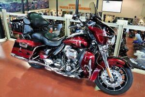 2011 Harley-Davidson FLHTCUSE8 - CVO Ultra Classic Electra Glide