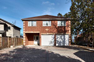 Waterfront on municipal services w/boat house & bunkie! Innisfil