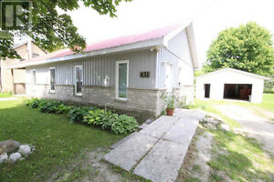 Wiarton Flats - House with Garage Rental