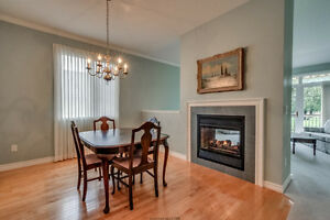 Luxury Condo In Oakridge! London Ontario image 3