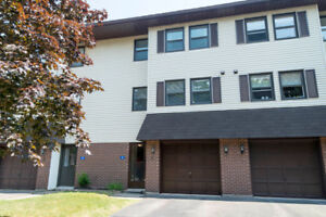 Immaculate Townhouse, 6 Hillsview Cres, Rothesay: MLS ®SJ173967