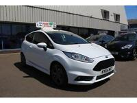 Ford Fiesta 1.6 182ps EcoBoost ST 3 in Frozen White + A/C - Onsite