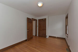 LUXURY ALL INCLUSIVE: May 1st Student Rental- 5 Bdrms London Ontario image 10