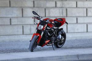 2012 Ducati Streetfighter in RED