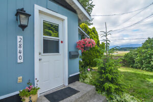 Charming Character Home with Cottage!