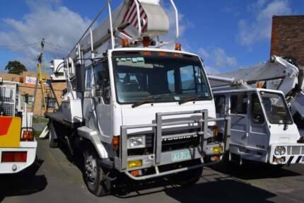 1986 MITSUBISHI 4X2 CAB CHASSIS CHERRY PICKER DIESEL MT