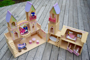 Melissa and Doug Folding Princess Castle Wooden Dollhouse