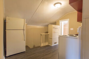 2  bedroom room in a duplex available