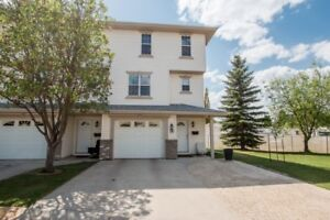 Beautiful well kept Condo for Sale!