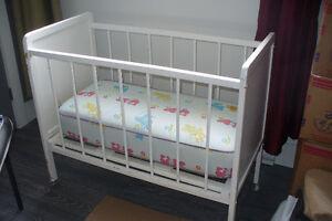 Lit pour bébé avec matelas