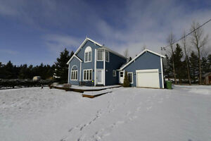 Year Round Water View Home with Cottage Feel 64 Gordon Cove