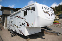 For sale: 2008 Cyclone 5th wheel Toy Hauler: