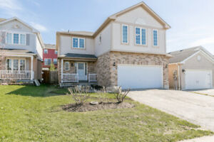 For Lease-  Barrie 4 beds, 2.5 baths $2200 + $200 flat utilties