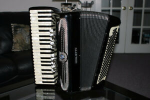 126-Bass Giulietti Free-Bass Trasformer Accordion with Case