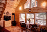 ENJOY WINTER AT VERY PRIVATE LOG COTTAGE IN MUSKOKA