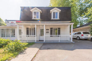 Chomedey Laval renovated 2 storey single home for rent
