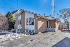 OPEN HOUSE: NORTH OSHAWA BUNGLAOW!