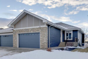 ****2 BEDROOM HALF DUPLEX in LACOMBE PARK, 1299 SQ. FT. *****