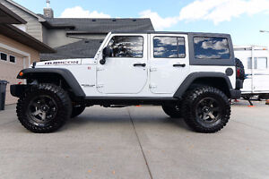 2015 Lifted Jeep Rubicon Hardrock Edition - Loaded!! 9000kms!
