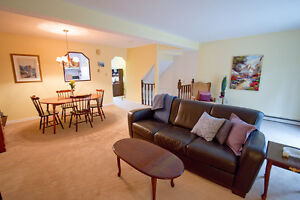 Spacious Beautiful 3-level Townhouse in Cole Harbour!