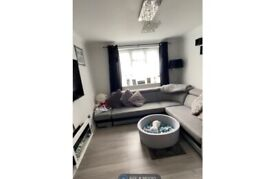 Stunning renovated 1 bedroom flat in the heart of Crystal Palace.