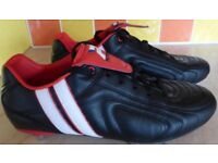 **Football Boots Adult size 9**