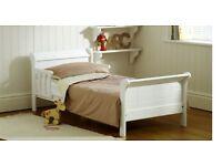 Junior bed white