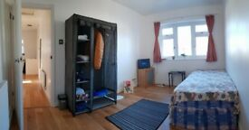 Double room for rent in Chadwell Heath £ 600, buss 1 minute, c2c 7 minutes