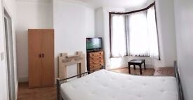 Large room fully furnished close to center of London all bills and Wi-Fi included