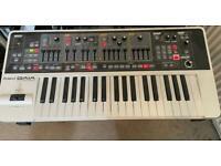 Roland Roland GAIA SH 01 Synthesizer