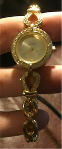 Womens Gold coloured watch London Ontario image 3