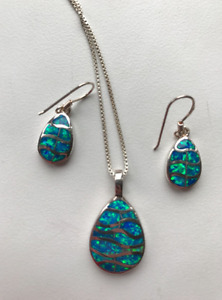 Opal set: earrings and necklace