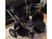 Quinny buzz with carrycot, infant seat toddler seat and Quinn's footmuff