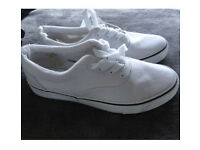 White canvas trainers NEW sz8 (Vans style)