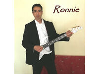 Learn the Guitar the best way with Ronnie!