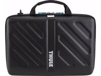 "NEW: THULE - GAUNTLET ATTACHE CASE FOR 15"" MACBOOK PRO/MACBOOK AIR/MACBOOK OR PC LAPTOP"