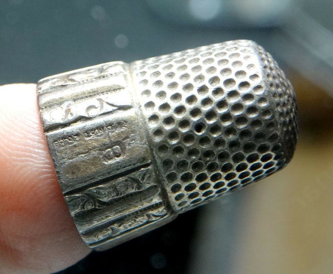 1889 ANTIQUE Vintage VICTORIAN Engraved STERLING SILVER Heavy SEWING THIMBLE