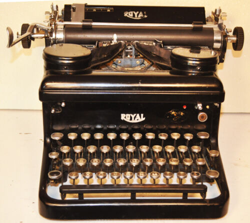 Royal #10 antique typewriter.