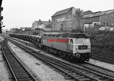PHOTO  CLASS 47 LOCO AT  NEWBURY MIDDLE FROM BOX 12-04-76