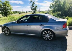 GREAT PRICE! 2011 BMW 323i - M5 Rims - Manual Transmission