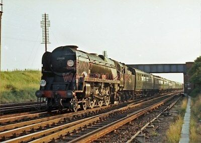 PHOTO  SR WEST COUNTRY  LOCO 34026 YES TOR AT WORTING 1966