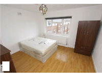 AVAILABLE NOW! HUGE DOUBLE ROOM READY TO MOVE IN