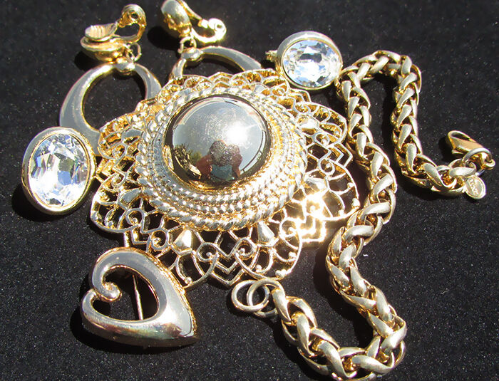 Is Monet Jewelry Real >> Monet Jewelry Buying Guide