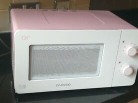 Compact microwave oven - pink