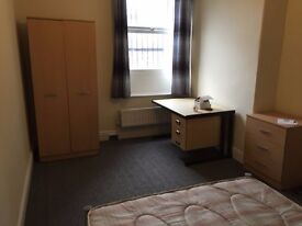Excellent double room in South East London - great connections! Seize the opportunity!!