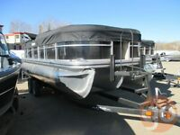 2015 Lowe SS210 Pontoon Boat