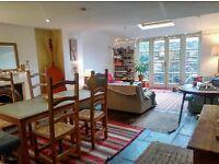 Double room, walk in wardrobe, sunny garden, beautiful cheerful home