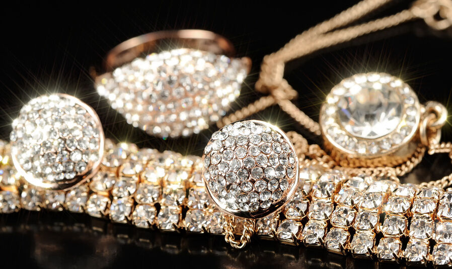 Modeschmuck gold  Täuschend echt: Gold Double Modeschmuck ist elegant und günstig | eBay