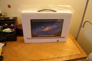MOUNTAIN LION MACBOOK PRO 15 i7 2.3GHZ QUAD, 1000GB SSDH, 16GB, THUNDERBOLT