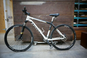 TREK hybrid bicycle DS 8.4 (Gary Fisher Collection)  2012